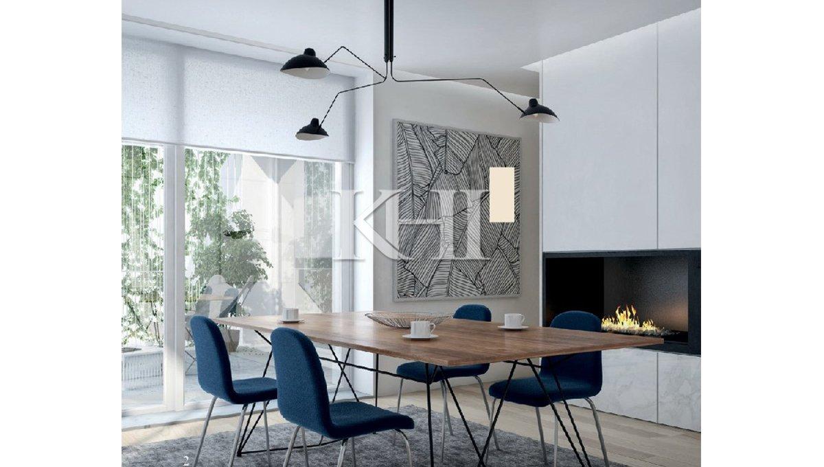 1_0002_Dining room