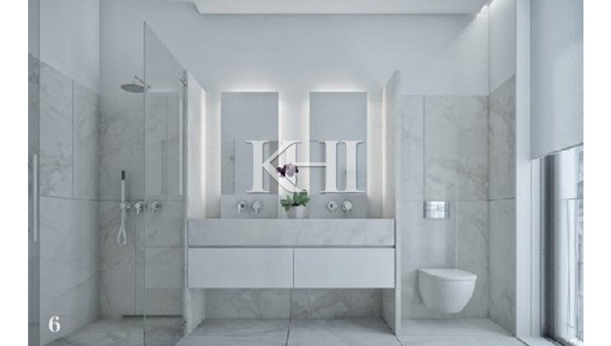 1_0004_bathroom