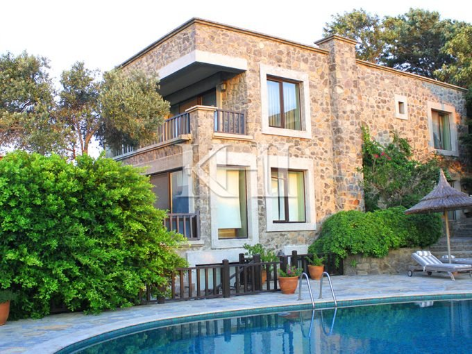 Sea Front Villa For Sale in Bodrum