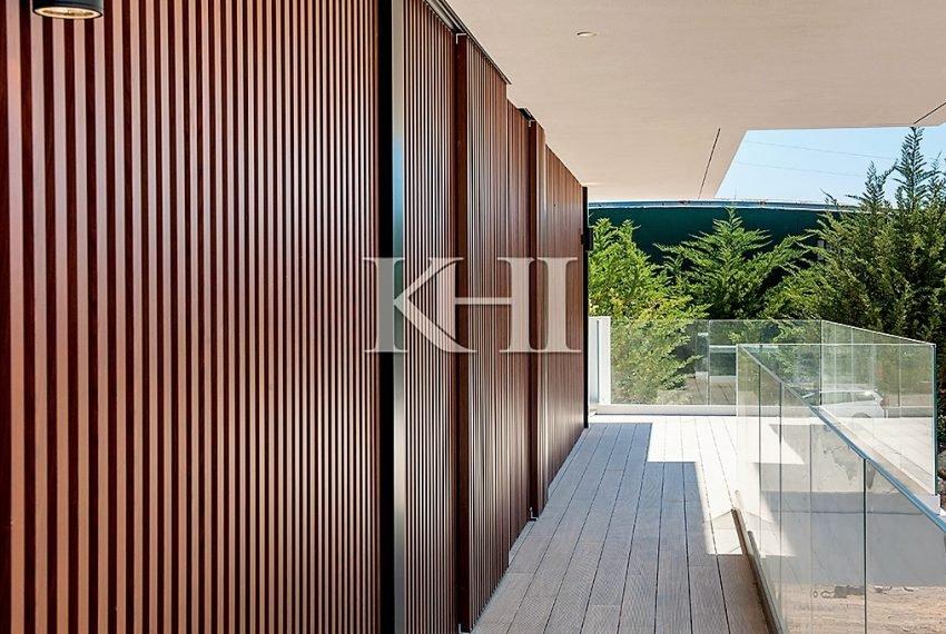 1_0016_LGV_Apartment-Model-Int16_Balcony