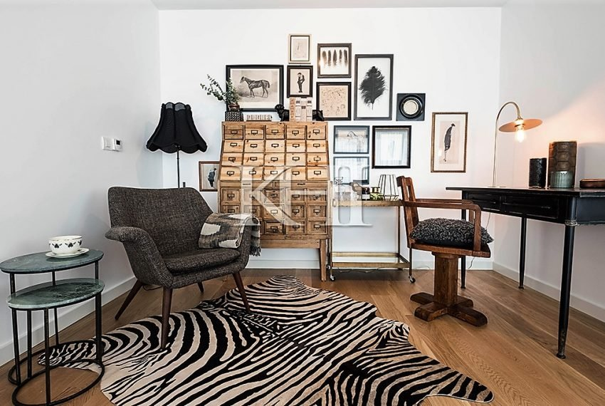1_0024_LGV_Apartment-Model-Int08_LivingRoom
