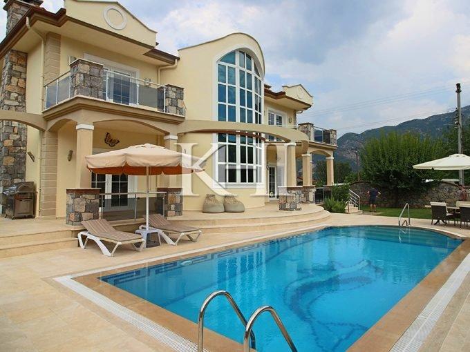 Luxury Four Bedroom Villa In Uzumlu