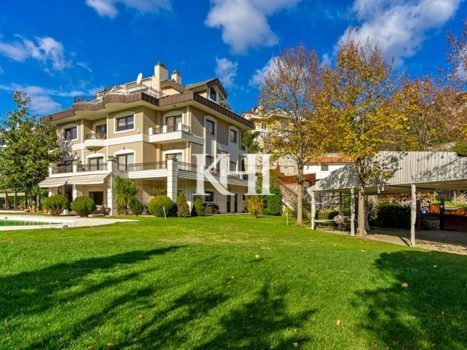 Spacious Istanbul Villa For Sale