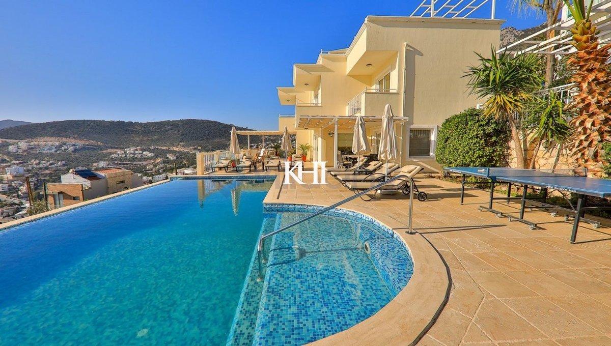 Exclusive Villa For Sale