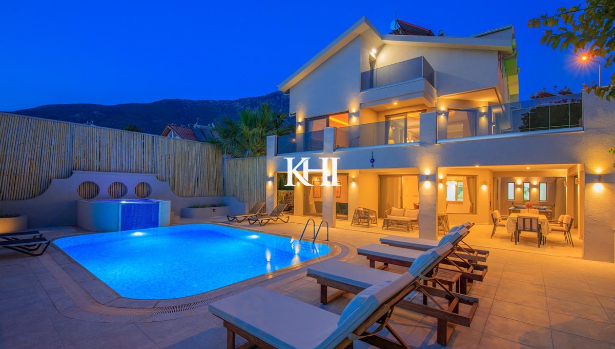Modern 4 Bedroom Villa in Ovacik