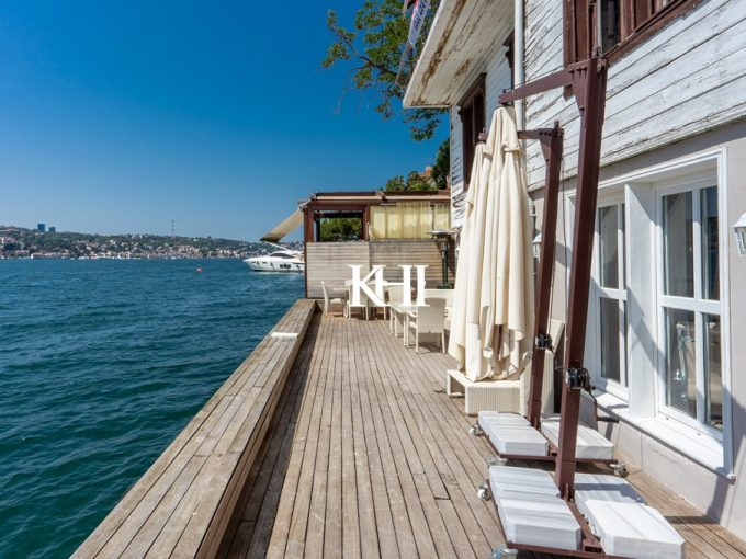 Panoramic Views Apartment