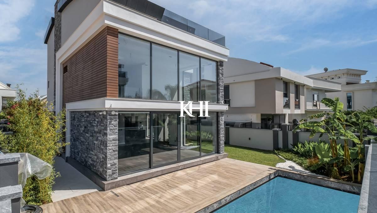 Luxury Detached Villas